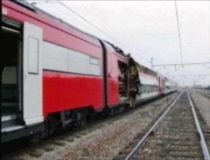 El tren de El Pozo, sin su coche 5, estacionado en Vallecas