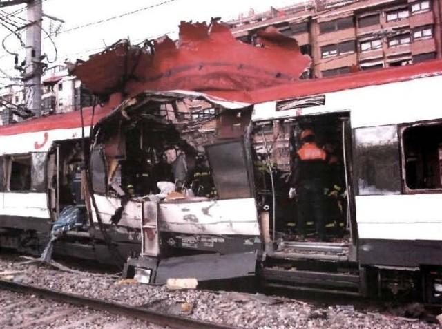 El coche 5 de Téllez tras el atentado, visto por el costado izquierdo