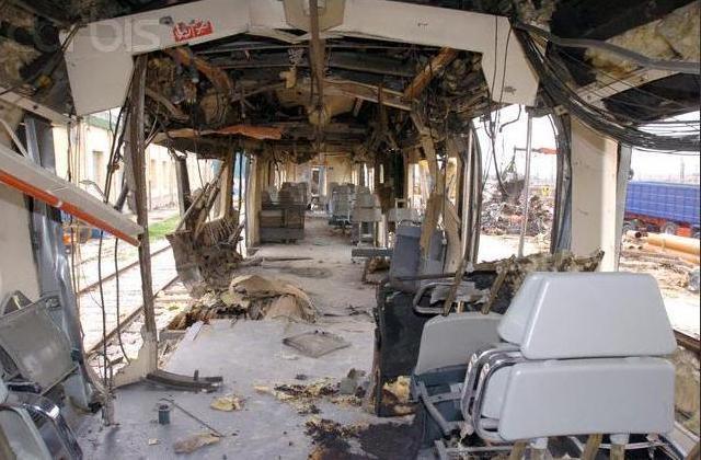 Interior del coche 4. Al fondo el coche 5 visto a través de la puerta de comunicación