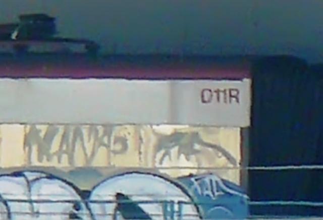 Detalle del coche de Cercanías de la foto anterior, se trata del 011R, 2º de Téllez