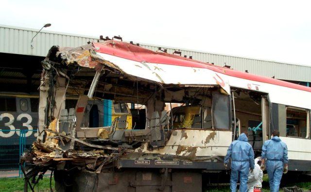 El 17 de marzo de 2004, se indaga en los restos del tren de Téllez en Villaverde