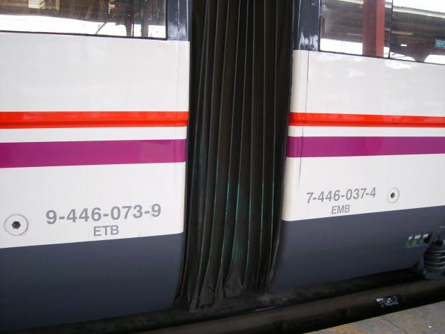 Unión de los coches 073M y 037R